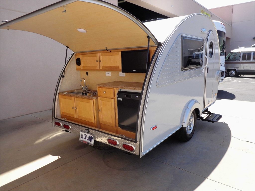Small Ultra Light Travel Trailers With Outdoor Kitchens ...